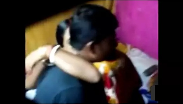 Desi Aunty With Boy Real Sexy Video
